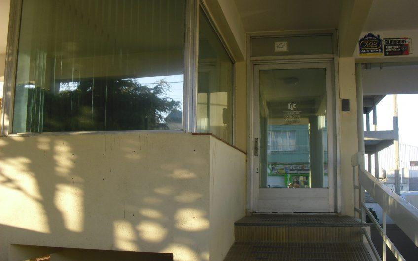 EDIFICIO C/ OFICINAS + AMPLIACION CREATIVA      Sup. Cubierta 668 m2     Sup. Terreno 350 m2